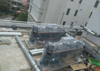 New oil free chiller on site